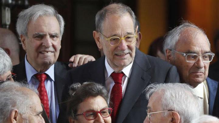 El exministro Javier Solana, el exdefensor del Pueblo, Enrique Múgica, y el exministro Rodolfo Martín Villa, a su llegada al Co